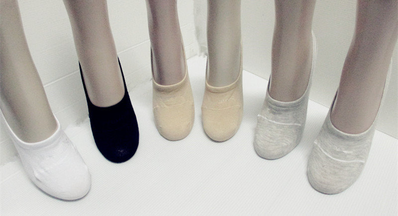 design non cushioned liner ankle no show socks